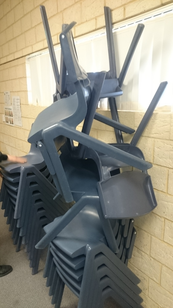 Stacking chairs: last lesson of the day via Hemingway and a bullfight (2/2)